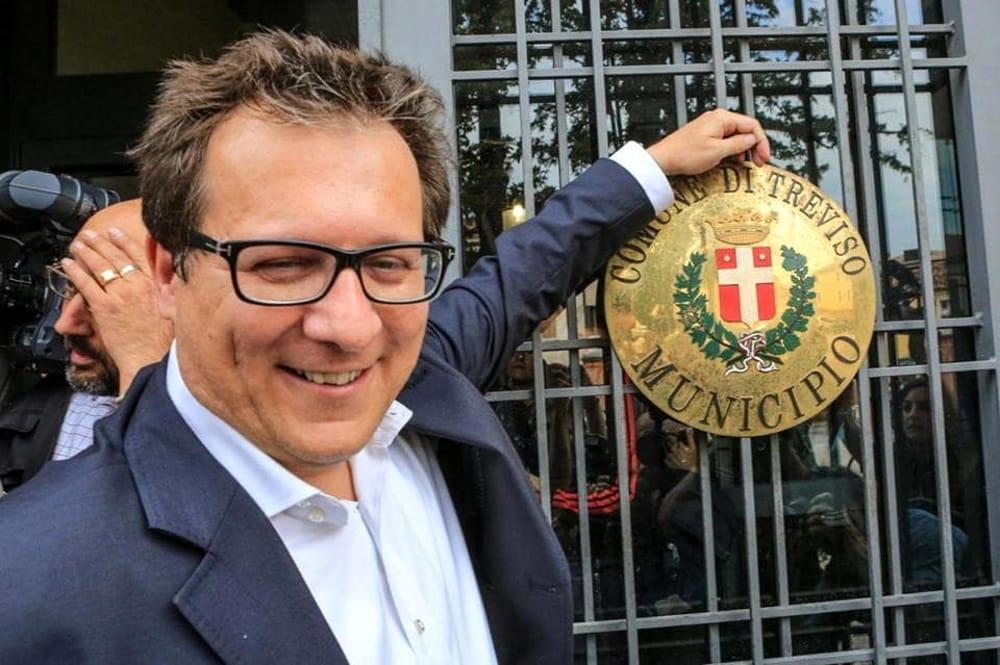 Il sindaco Giovanni Manildo