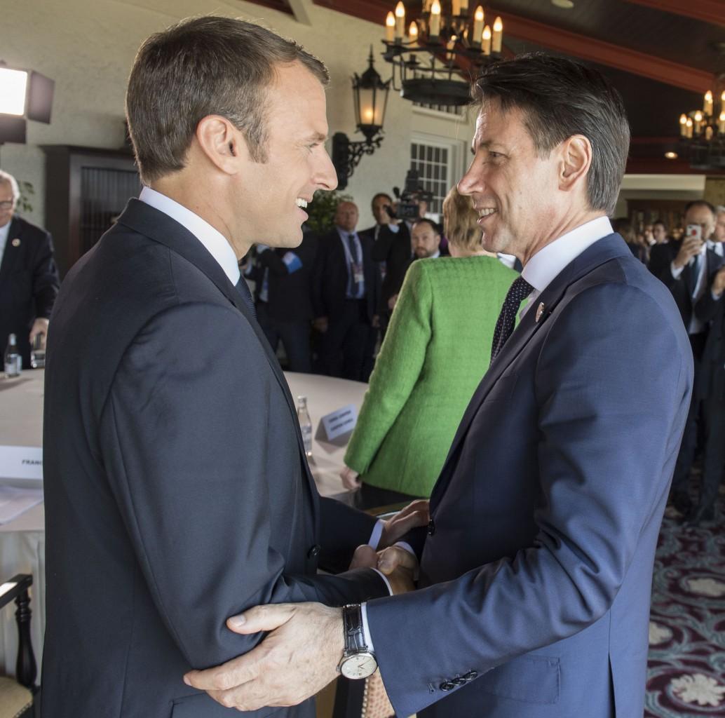 Il presidente della repubblica francese Emmanuel Macron presidente del Consiglio italiano Giuseppe Conte