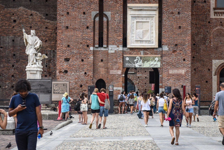Milano, i musei del Castello Sforzesco gratis attirano visitatori