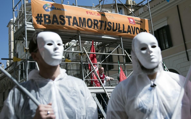 Una manifestazione per la sicurezza sul lavoro