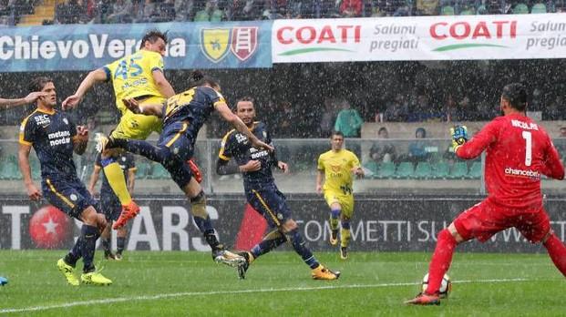 Un'azione durante Chievo Verona 3-2 del campionato di calcio 2017-2018