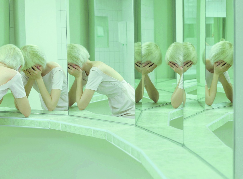 «Artificial Tears», un'opera di Evelyn Bencicova