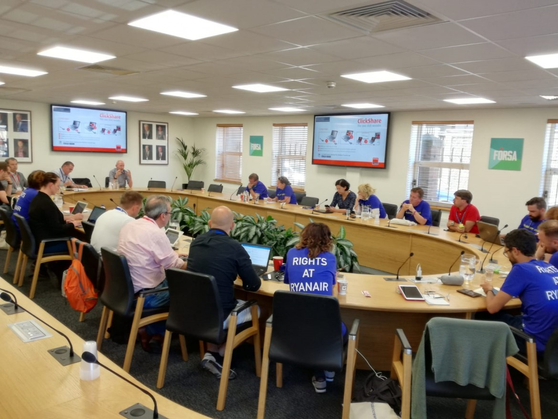 La riunione dei sindacati RyanAir a Dublino