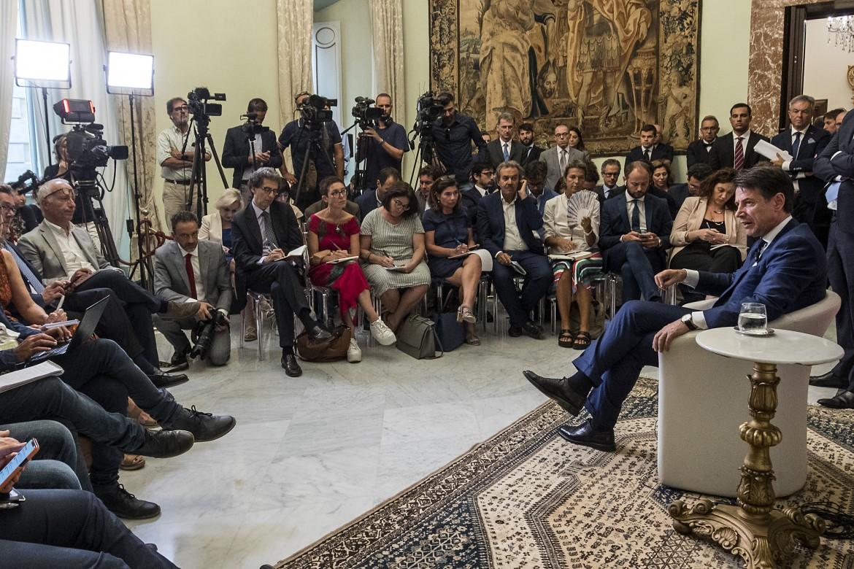 La conferenza stampa del premier Giuseppe Conte