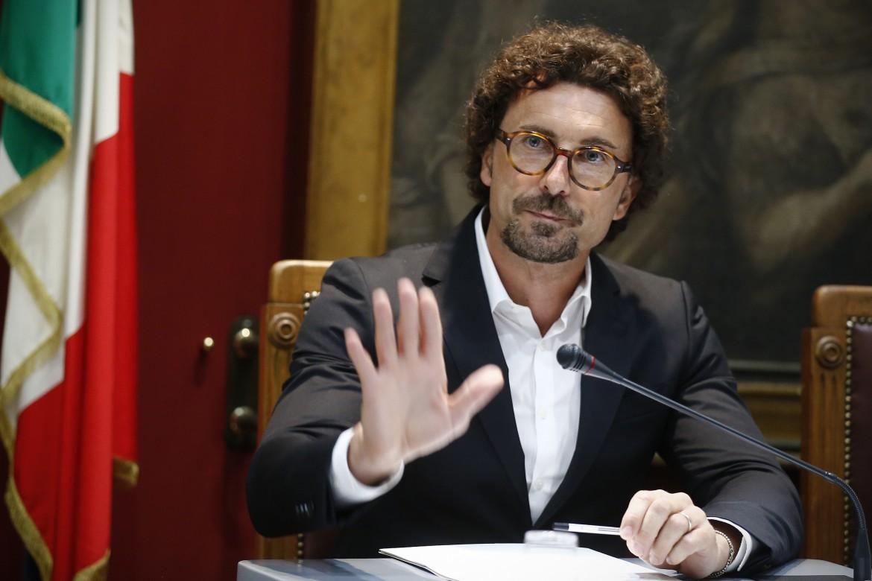 Il ministro Toninelli