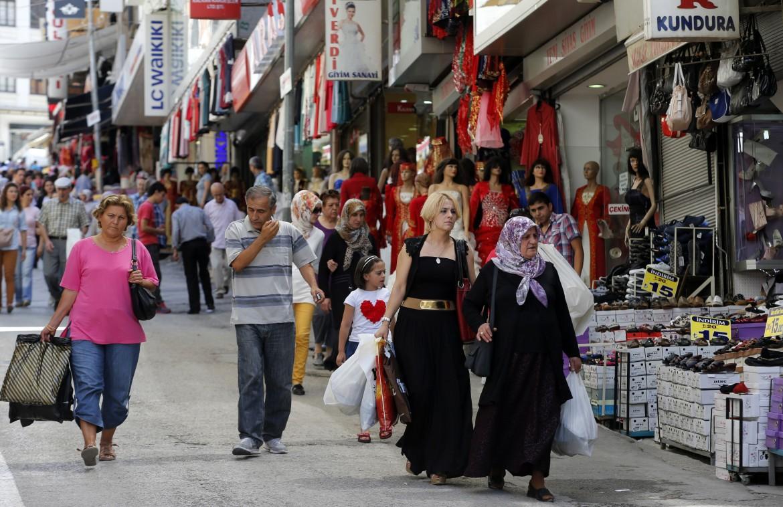 Negozi a Ulus, uno dei più frandi quartieri commerciali della capitale turca Ankara