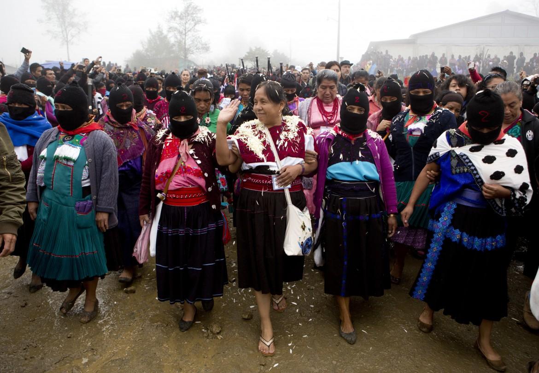 Marichuy insieme alle donne indigene e zapatisti e Oventic, in Chiapas