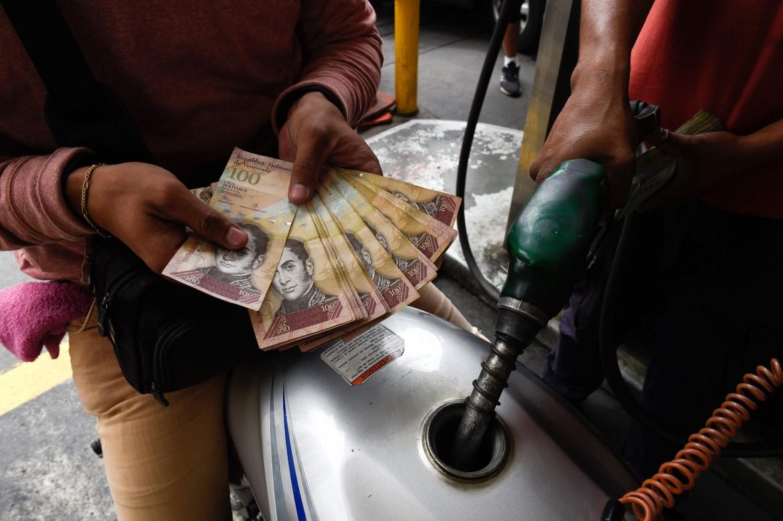 Una pompa di benzina a Caracas