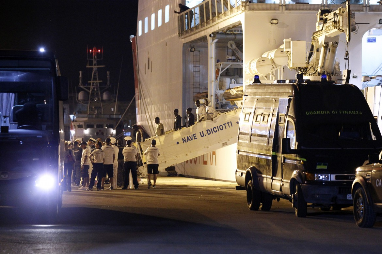 La nave della Guardia costiera Diciotti