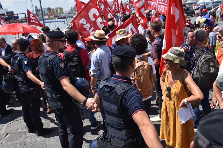 Protesta della Cgil al porto di Catania