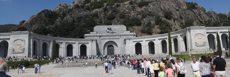 La Valle de los Caidos che raccoglie le spoglie di Franco e di 33.847 combattenti delle due parti della Guerra Civile