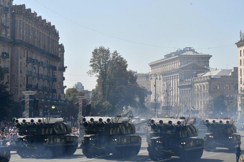 I tank militari a Kiev per la celebrazione dell'indipendenza ucraina