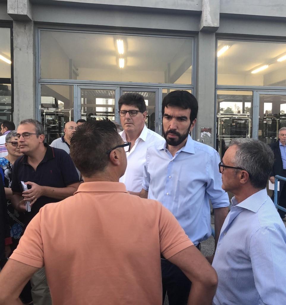 Il segretario del Pd Maurizio Martina all'Ilva di Taranto