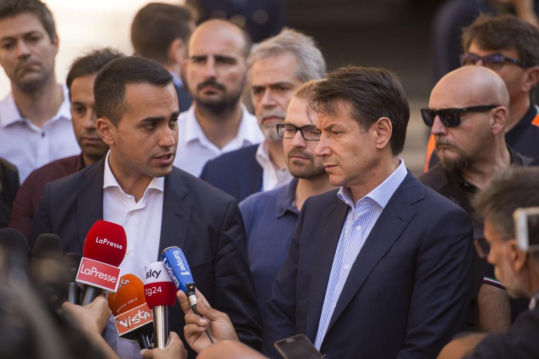 Luigi Di Maio e Giuseppe Conte a Genova