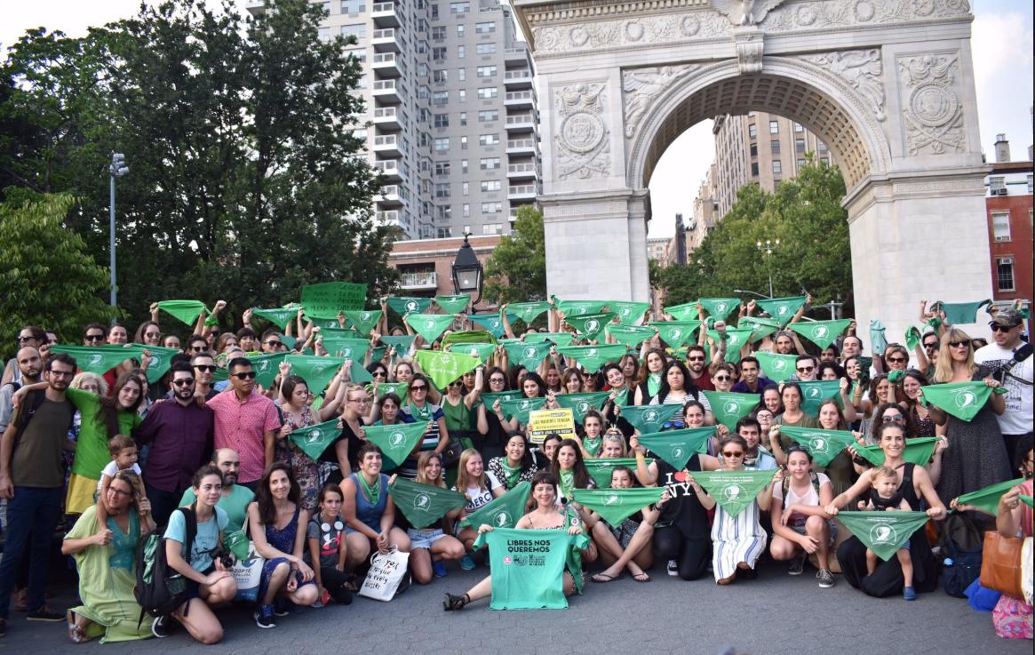 La manifestazione a sostegno delle argentine a New York