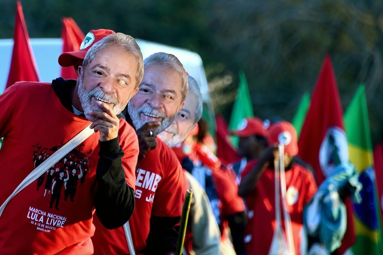 Manifestazioni a favore dell'ex presidente brasiliano Lula