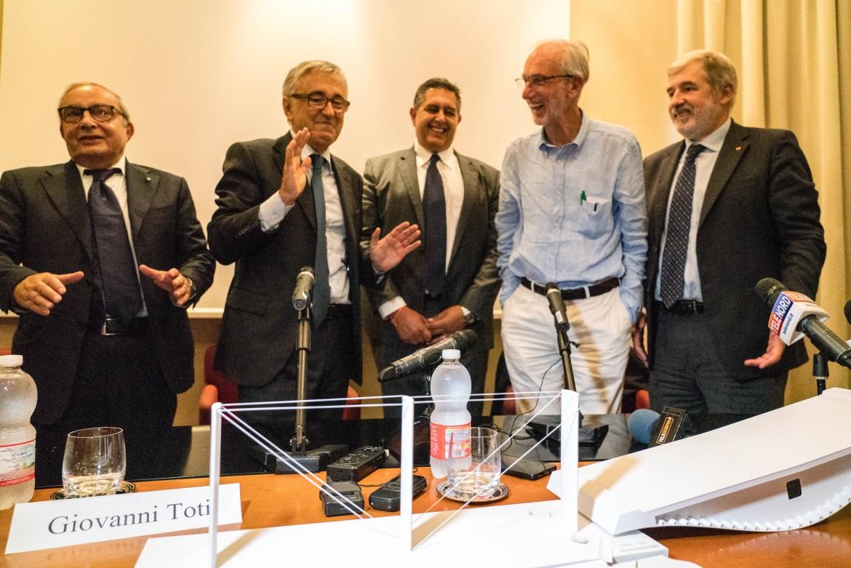 Giuseppe Bono (Fincantieri), Giovanni Castellucci (Aspi), Giovanni Toti, Renzo Piano e Marco Bucci