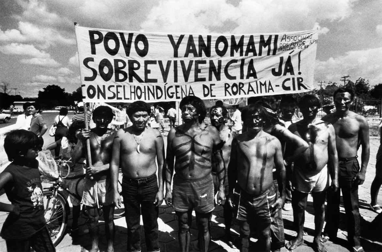 Davi Kopenawa durante una manifestazione