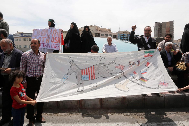 Proteste anti americane in Iran