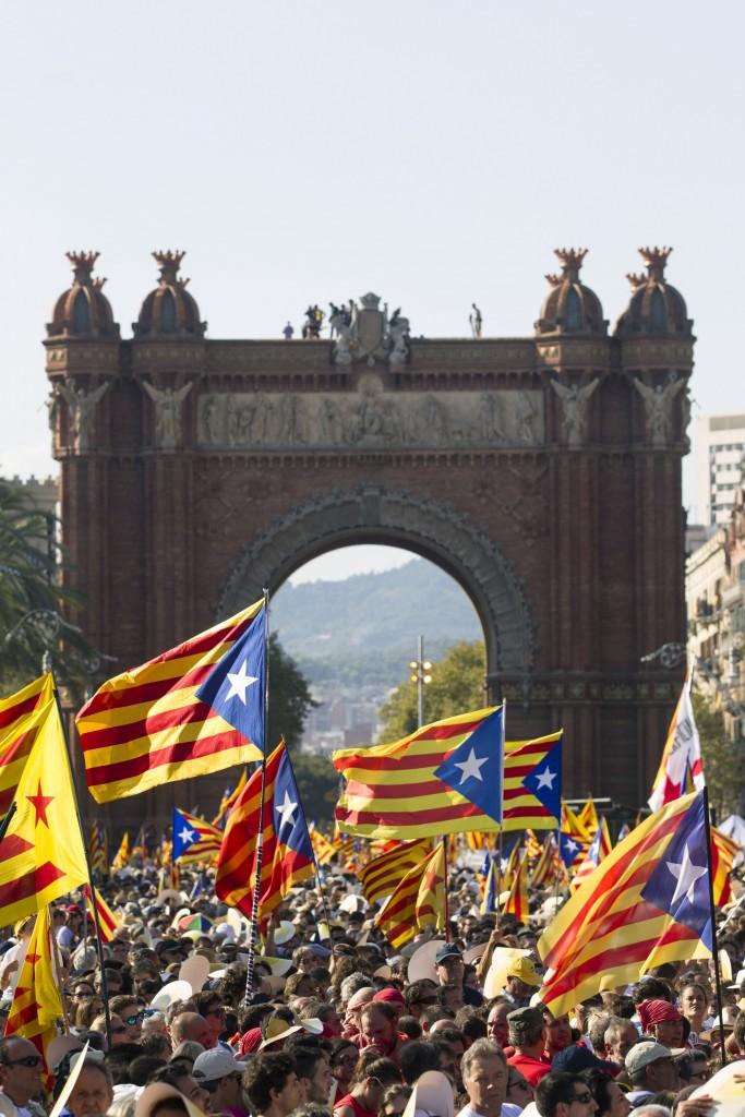 Barcellona, la Diada dello scorso anno; sotto la sindaca Ada Colau