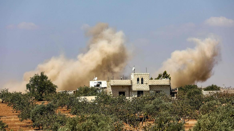 Bombardamenti dell'aviazione governativa siriana nelle campagne meridionali della provincia di Idlib