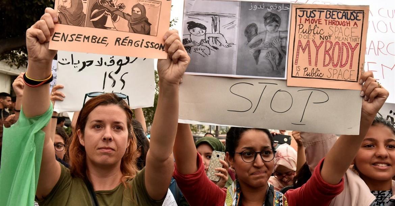 Manifestazione in piazza a Casablanca delle donne tunisine contro le violenze di genere