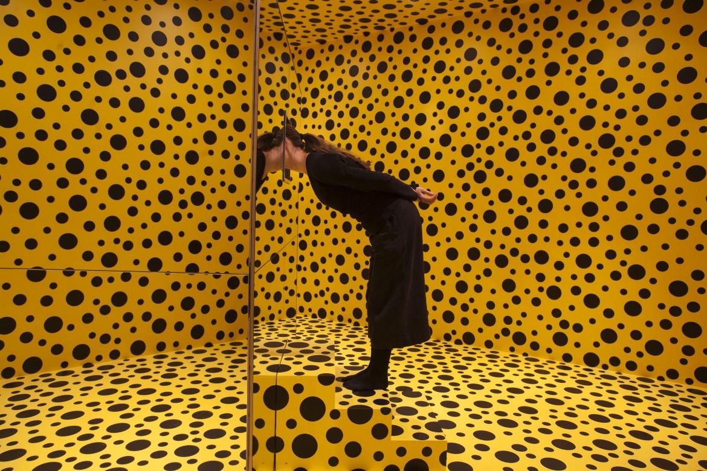 Yayoi Kusama,  Mirror room pumpkin