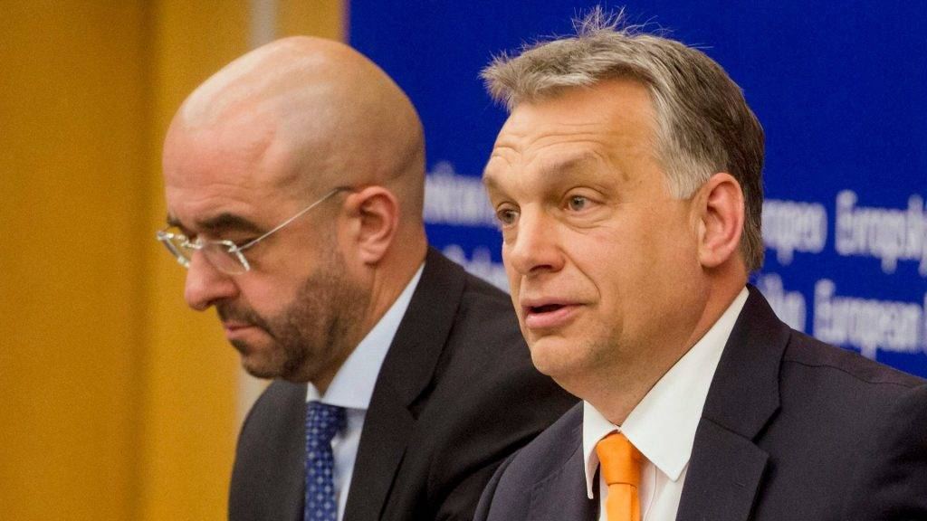 Kovács Zoltán e Vicktor Orbán