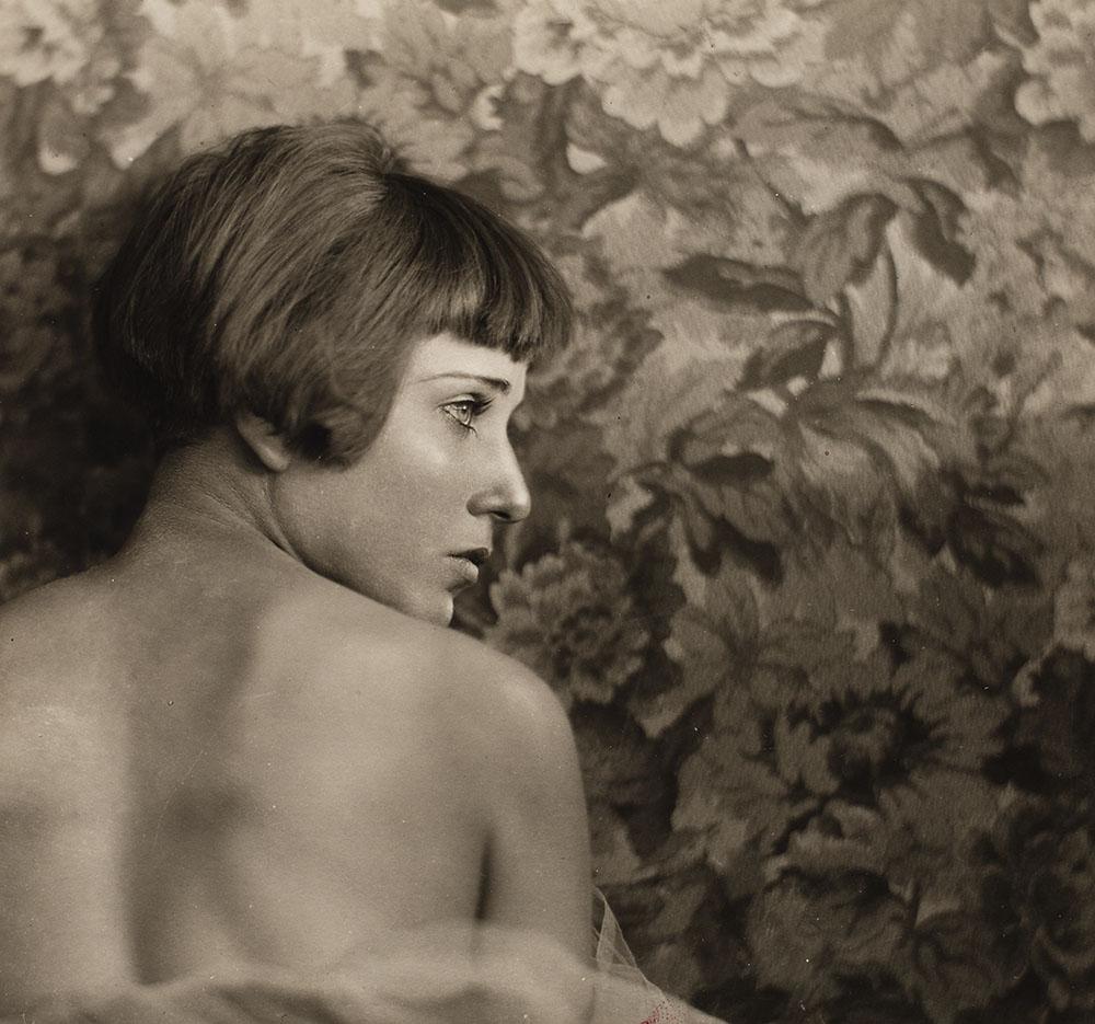Nahui Olin circa 1927 in un ritratto fotografico di Antonio Garduño, colección Thomás Zurián