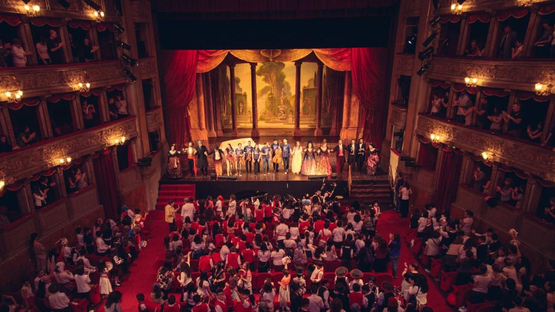 Il teatro Argentina durante una rappresentazione