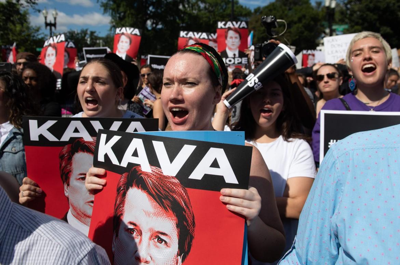 Washington, proteste e arresto di manifestanti donne contro la nomina di Brett Kavanaugh alla Corte suprema Usa