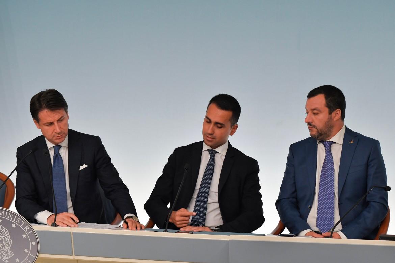 Il presidente Giuseppe Conte e i suoi due vice Luigi Di Maio e Matteo Salvini