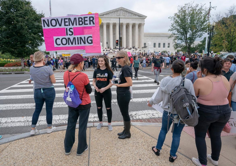 La protesta davanti alla Corte suprema