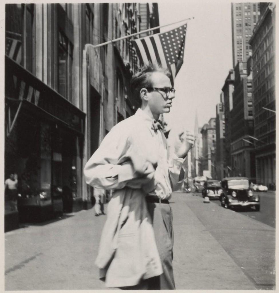 Andy Warhol a Manhattan nel 1949