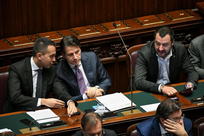 Di Maio, Conte e Salvini sui banchi del governo