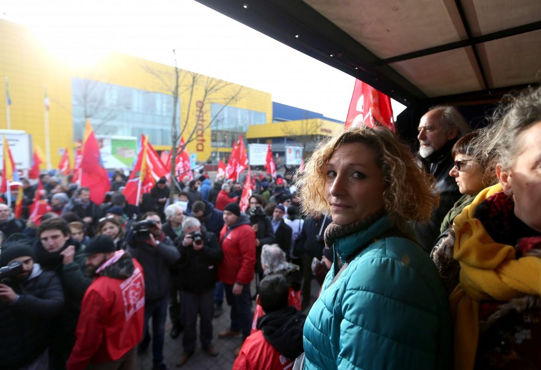 Marica Ricutti, a un presidio del sindacato a Corsico (Milano)