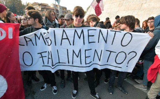 La rivolta della scuola contro la regionalizzazione dell8217istruzione