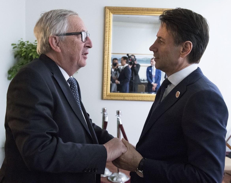Il presidente  del consiglio Giuseppe Conte con Jean-Claude Juncker