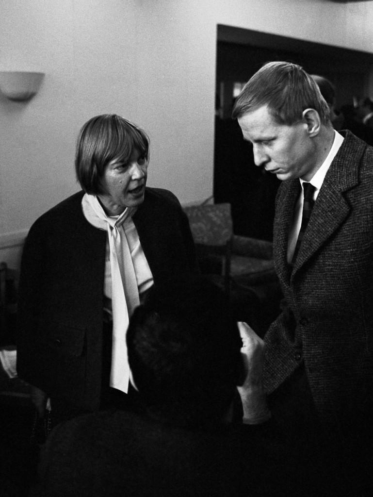 Ingeborg Bachmann e Hans Magnus Enzensberger  a Berlino Ovest nel 1962, dal sito della