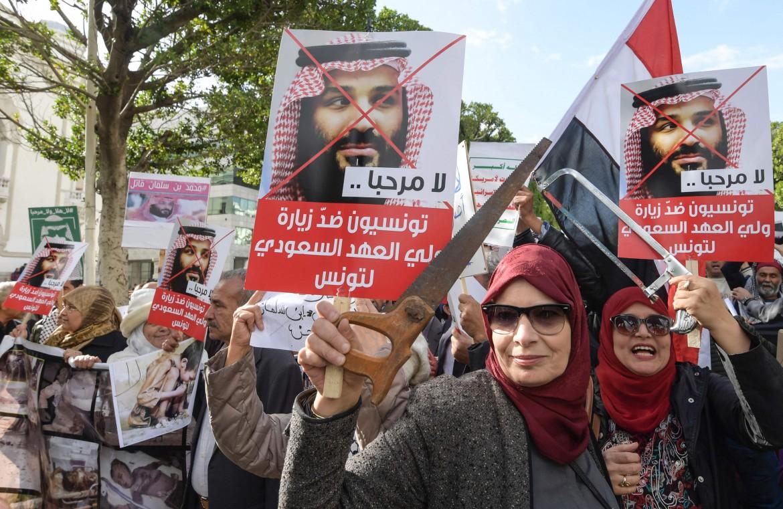 A Tunisi ieri proteste per la visita di MbS