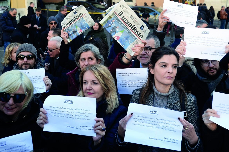 La protesta dei giornalisti contro i tagli al pluralismo nella manovra di bilancio giallobruna