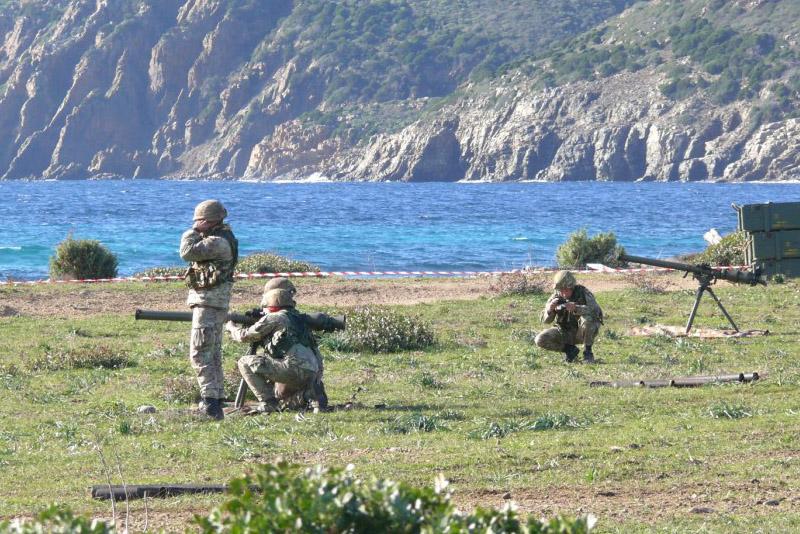 Esercitazione militare in Sardegna