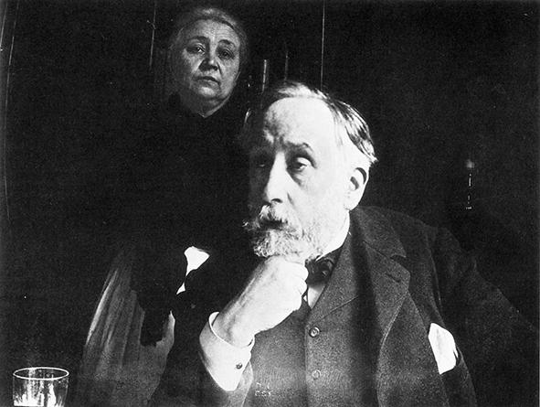 Edgar Degas insieme alla domestica e cuoca Zoé Closier in un autoritratto fotografico del 1895. Nel corpo del testo, Edgar Degas: