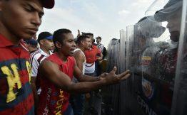 Venezuela di frontiera ponti chiusi agli aiuti Usa ma aperti a quelli Onu
