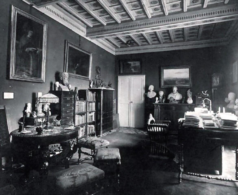 Studio dell'appartamento di Pollak a Palazzo Odescalchi, cartolina illustrata, Roma, Museo Barracco,  Archivio Pollak