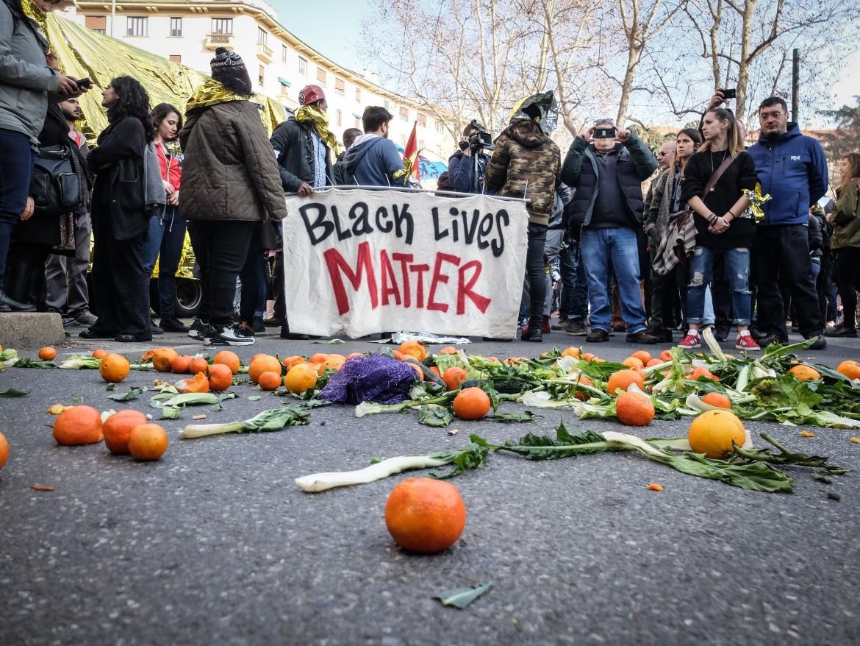 Manifestazione di migranti e centri sociali contro i Decreti Sicurezza