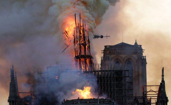 Lincendio nella cattedrale di Notre Dame