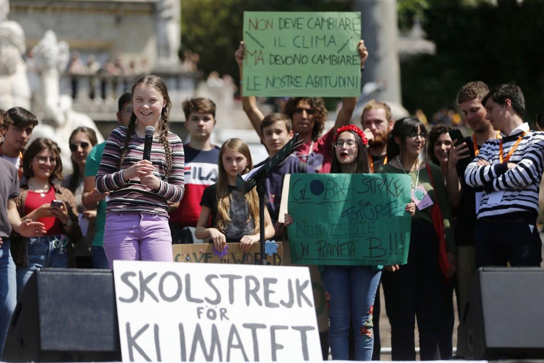 Roma, il «Friday for future» ieri in piazza del Popolo con Greta Thunberg