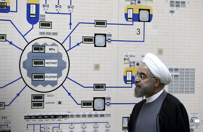 Il presidente Rohani in un impianto nucleare