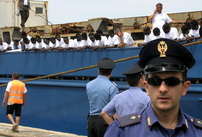 La Cap Anamur a Porto Empedocle nel giugno del 2004
